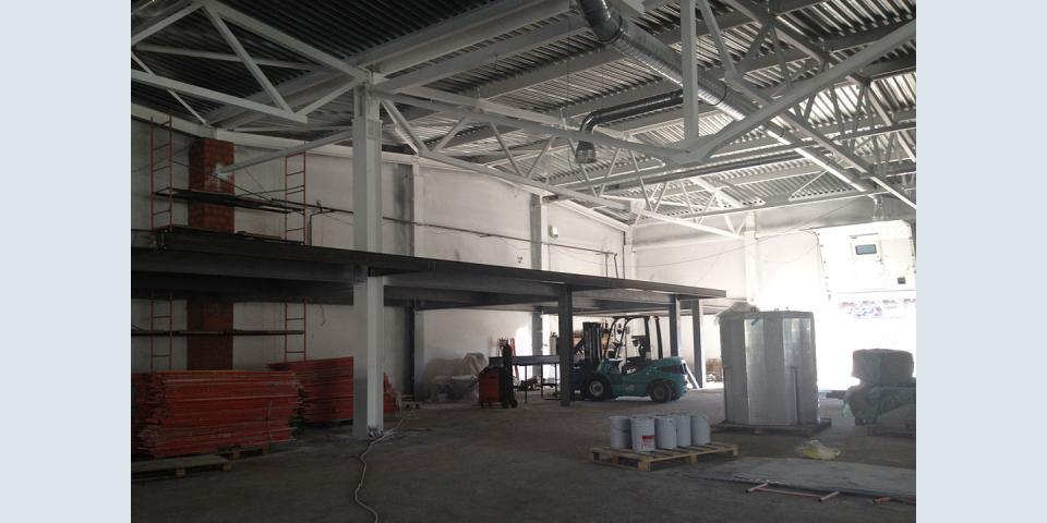 Металлоконструкции в торговом центре. Потолочные конструкции. Конструкция второго этажа.